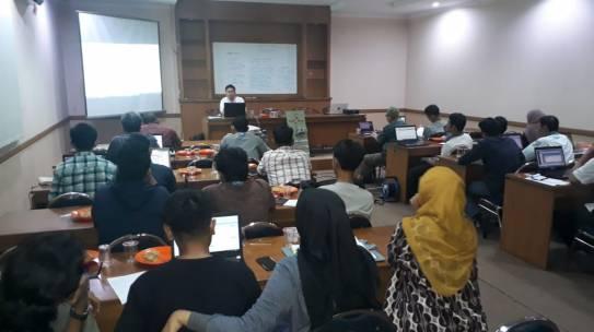 Workshop PLC Elektro ISTN dengan Komunitas